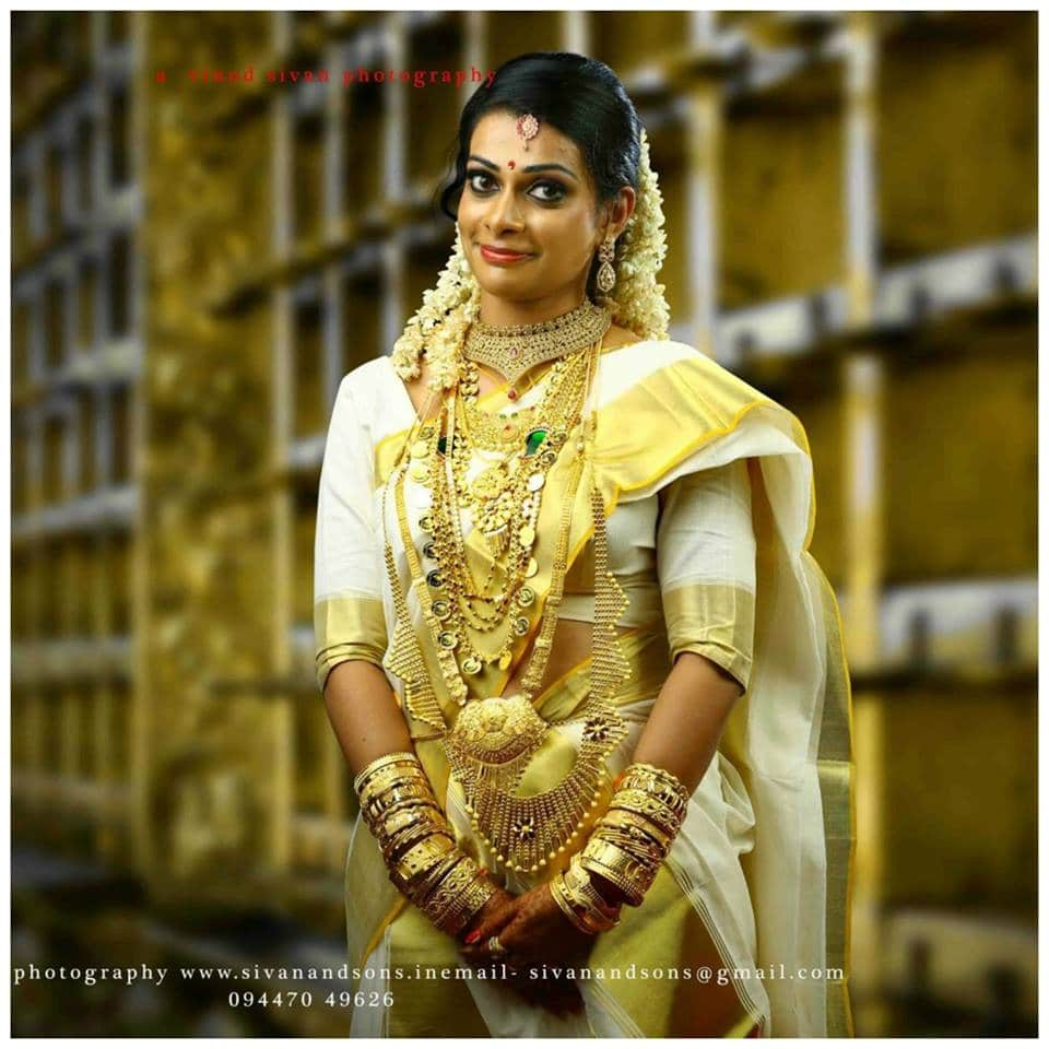 Saree to wear with Gold Jewellery