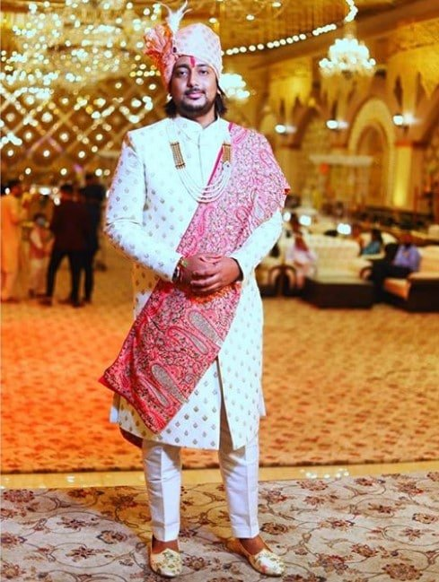 Pastel Pink Shawl - Indian Groom Outfit